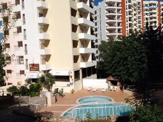 Pogo Silver Apartment - Portimão vacation rentals