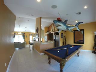 Haven Del Mar (Water Front Home Extraordinaire) - Freeport vacation rentals