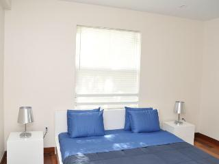 Beautiful remodeled 2 bedroom with outside  BBQ - Miami Beach vacation rentals