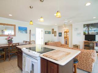 Beachfront Paradise 3 br/2ba  On Beach, private wi - Laie vacation rentals