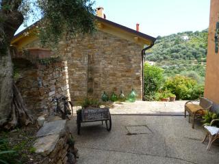 Il cottage di Borgo Muratori - Diano Marina vacation rentals