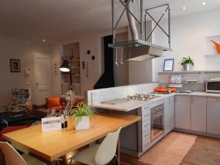 I BORGHI Wonderful Apt in the City with Wifi&bike - Matraia vacation rentals