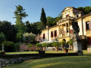 Villa Vigna Contarena: Mid Summer Dream - Este vacation rentals