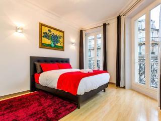 Beautiful Parisian Haussmannien in City Center ! - Paris vacation rentals