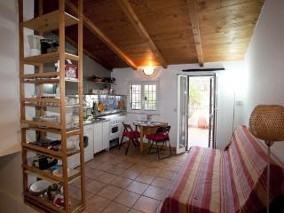 CR244 - Pigneto, Via Braccio da Montone - Rome vacation rentals