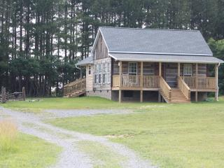 Candle Cabin 120 Acres, Nashville 25 min, WiFi - Tennessee vacation rentals