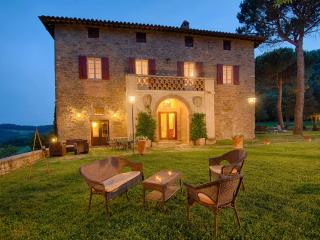 Villa with Stunning View of Umbria's hills - Calzolaro vacation rentals
