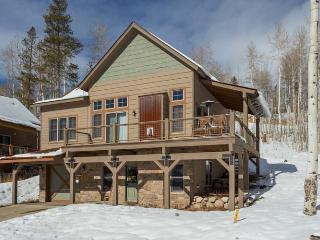 Spacious mountain home within The Rendezvous Community - World vacation rentals