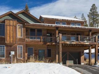 3 Bedrooms | Open Floor Plan | Hot Tub | Grill - Winter Park vacation rentals