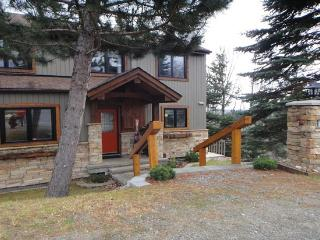 3000 Sq Ft Executive Mountain Town Home - Mont Tremblant vacation rentals
