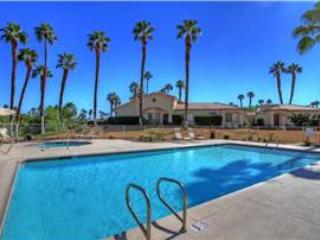 Spacious End Unit Next to Pool & Spa-Palm Valley CC (VY072) - Image 1 - Palm Desert - rentals
