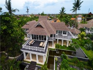 SL1400 - Bukit Lawang vacation rentals