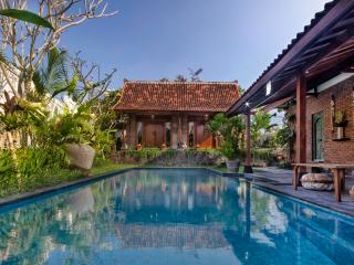 Traditional Luxury Villa in Canggu - Seminyak vacation rentals