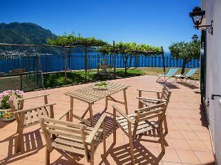villa a tutto relax vista fantastica sulla Costa - Ravello vacation rentals