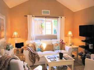 3264 Sea Shell Guest Cottage ~  Spring Specials ~ Walk to Town ~ Beach Decor - Monterey vacation rentals