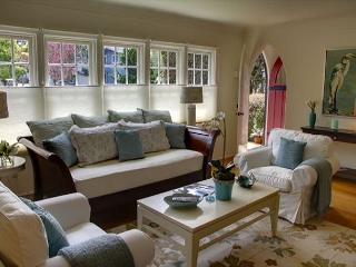 3343 The Gingerbread House ~ Spring Specials ~ Plush Beds & Luxury Linens - Pacific Grove vacation rentals