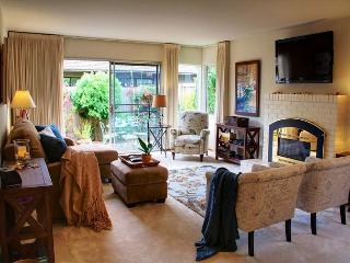 3509 Seabreeze ~ Walk to the Beach, Artist's Home, Blush Beds & Luxury Linens - Pacific Grove vacation rentals