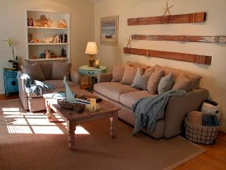 3511 La Casa Fina ~ Beautiful Designer Decor, Plush Beds & Luxury Linens - Carmel-by-the-Sea vacation rentals