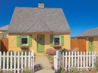 3612 Storybook Cottage ~ New Granite & Stainless Kitchen, Historic, Fireplace - Pacific Grove vacation rentals