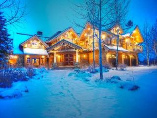 Luxurious Mountain Home Fish Creek with Hot Tub, Sauna & Gorgeous Views - Jackson vacation rentals
