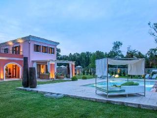 Haven of Peace! Exquisite Villa Marcela I with Pool & Garden - Near Beach & Town - Kato Korakiana vacation rentals