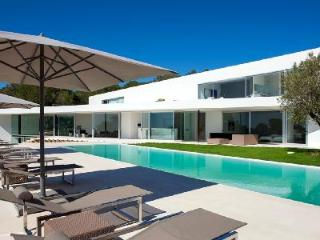 Contemporary Villa Style with Pool, Hot Tub, Hammam & Gym - Near Beaches - Cala Gracio vacation rentals