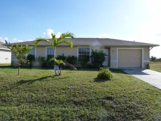 Villa Susan - cozy home in central location, beautiful furnished! - Lehigh Acres vacation rentals