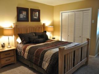 Great Park city town home by silver star ski lift! - Park City vacation rentals