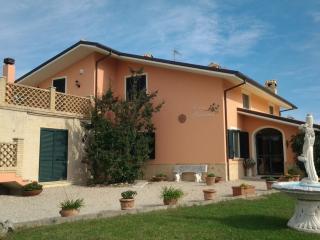 Casa Adriana - Penne vacation rentals