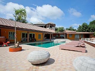 Chaweng Blissful Villa - Chaweng vacation rentals