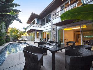Villa Romeo - 3 BED - Two-Storey Villa Offers Spacious Accommodation - Kathu vacation rentals