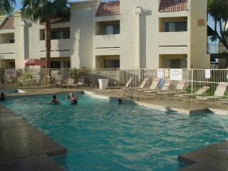 Beautiful condo, Stadiums, golf,heated pool,spa, - Surprise vacation rentals