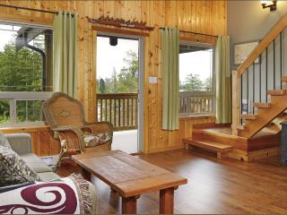 Beautiful 2 bedroom cabin suite #4. Winner of Tripadvisor 2014 Certificate of Excellence! - Ucluelet vacation rentals