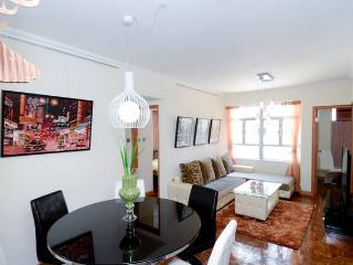 EYE-CANDY!TOP CENTRAL QUIET MTR BIG CLEAN SERVICED - Hong Kong vacation rentals