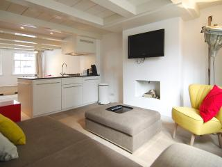 The Johhny Jordaan II, 3 bedroom! - Amsterdam vacation rentals