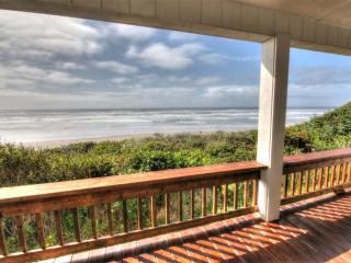 Oceanfront Home w/ Hot Tub on Miles of Sandy Beach - Yachats vacation rentals