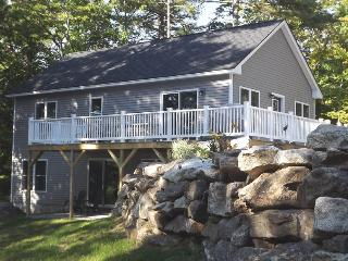 WHITELEY'S WHARF | BARTER'S ISLAND | LEWIS COVE | WATERFRONT WITH DOCK AND FLOAT | OPEN WRAP-AROUND DECK - Boothbay vacation rentals