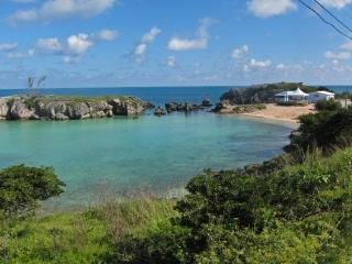 Charming and Cosy Apartment (2 Bed/ 2 Bath) - Bermuda vacation rentals
