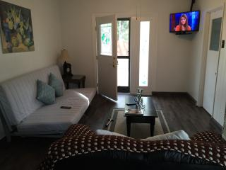 Guest House with Kitchen - Privacy, Comfort and Convenience - Ojai vacation rentals
