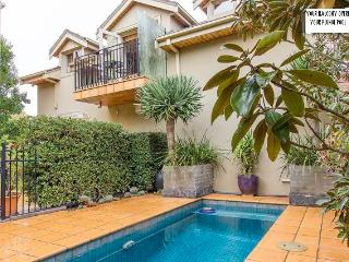 Glen Iris Self Cont Apartment for 2, 3 or 4 guests - Glen Iris vacation rentals