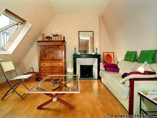 Luxembourg Two Bedroom in Paris Latin Quarter - Paris vacation rentals