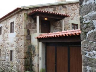 Casa D'Campo Ferreira   Holiday rural home  Pitões - Pitoes das Junias vacation rentals