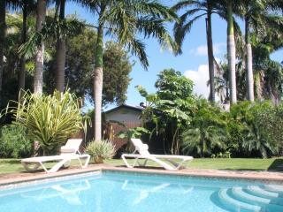 KAS KINIKINI 3-bedroom villa with tropical garden - Willemstad vacation rentals