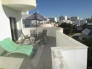 GREAT LIGHT GREAT VERANDA WITH TOWN /ISLANDVIEWS - Olhao vacation rentals