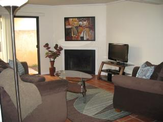 Lovely Long Beach condo with private patio - Long Beach vacation rentals