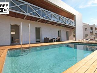 Villa with swimming pool 300 m. from the beach - L'Escala vacation rentals