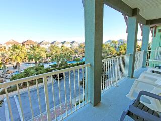 Hannah's Haven - 15% OFF Stays From 4/11 - 5/15! 6 BR/3.5BA POOLFront! in Villages of Crystal Beach! - Destin vacation rentals