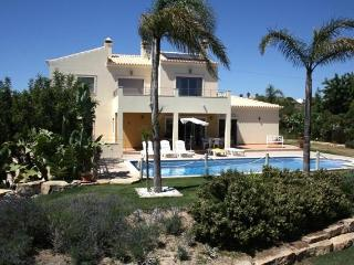 Holiday villa with 4 bedrooms to rent in Albufeira - Albufeira vacation rentals