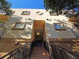Amazing Townhouse 2B, 2B - Los Angeles vacation rentals