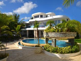 Luxury  6 Bedroom Rental Villa in Sosua - Sosua vacation rentals